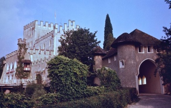 Zamek Itter czyli więzienie luksusowe. Źródło: http://wiadomosci.gazeta.pl/wiadomosci/1,114871,19069506,ten-jeden-jedyny-raz-gdy-wehrmacht-i-us-army-walczyly-ramie.html