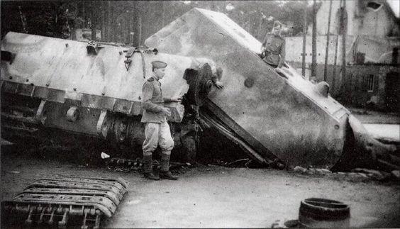 A oto niemiecki Maus, zniszczony, ale i tak imponujący!